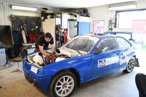 Andreas i garaget