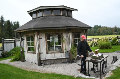 Lusthus med grill